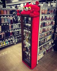 先日、東急ハンズ池袋店7階に新たな常設ラックを納品してまいりました! - 職人的雑貨研究所