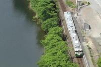 緑の川のほとりの駅- 只見線・2016年 - - ねこの撮った汽車
