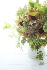 夏!!ヒマワリのブーケ♪&アジサイのブーケ♪ - お花に囲まれて