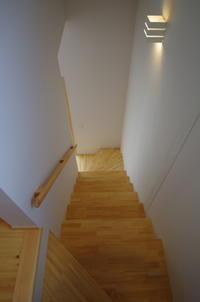 階段と引越し - K+Y アトリエ一級建築士事務所