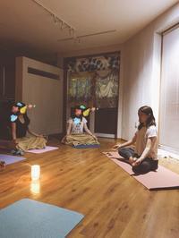 ヨガで涼しく🎐 - ネリヤカナヤのいろいろブログ www.neriyakanaya.com