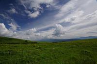 広々をした風景を求めて(2)「ニッコウキスゲ」 - 空 -Sora-