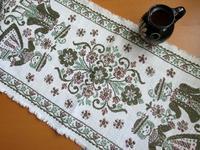 チロリアンの織りのテーブル・センター -  Der Liebling ~蚤の市フリークの雑貨手帖2冊目~