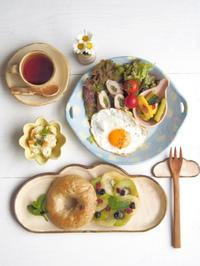 キウイベーグルの朝ごはん - 陶器通販・益子焼 雑貨手作り陶器のサイトショップ 木のねのブログ