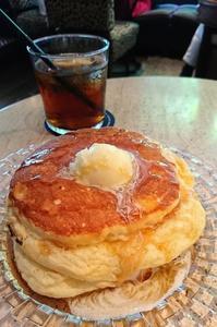 おふとんみたいな、ふかふかパンケーキ!6th by ORIENTAL HOTEL、有楽町にて - カステラさん