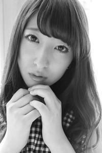 鈴木琴音ちゃん42 - モノクロポートレート写真館