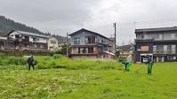 雨の草刈り作業でした! - 浦佐地域づくり協議会のブログ