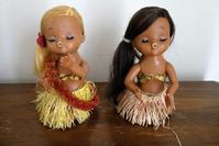 レトロなプラのフラダンス人形 - ノスタルジア好きが集めた物たち