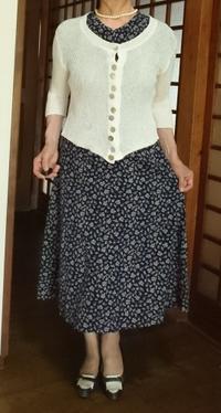 7月8日、70代。手作りの綿ワンピースに白カーディガンを羽織って - 楽しく元気に暮らします