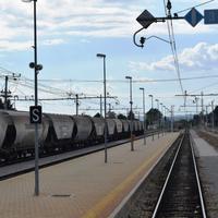 リュブリャナの市場と列車の旅。 - アクデニズ。