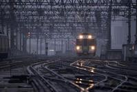雨の札幌駅 - 人間到る処青山有り