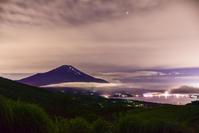 山中湖の夜 - 風とこだま