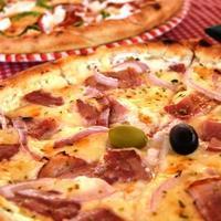ピザでお昼ごはんとドブロヴィニクいろいろ。 - アクデニズ。