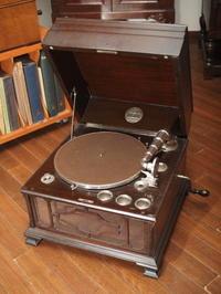 「第65回 アクスティック・サウンド展」よりチニー モデル10 - シェルマン アートワークス 蓄音機blog