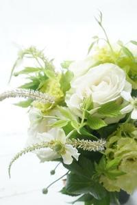 芦屋アイロニー初季節のブーケロン - お花に囲まれて