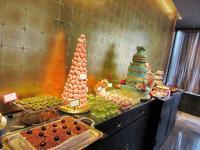 【ヒルトン東京】「王朝」で点心とデザートの食べ放題 - お散歩アルバム・・まぶしい夏空