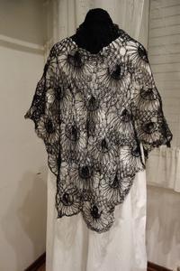 黒モヘア手編み三角ショール101 - スペイン・バルセロナ・アンティーク gyu's shop
