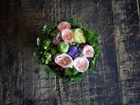 ご自分の誕生日にご両親へのタルト型アレンジメント。「小花中心で」。2018/07/09。 - 札幌 花屋 meLL flowers