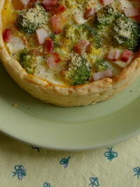 ブロッコリーとブリーチーズのキッシュ - Baking Daily@TM5