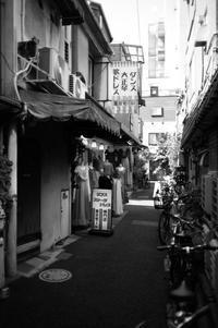 浅草裏小路 - 心のカメラ / more tomorrow than today ...