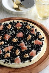 【レシピ】「ワイルドブルーベリーと生ハムの冷たいピッツァ」 - Takacoco Kitchen