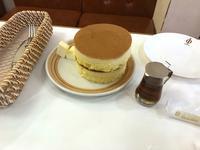 【鎌倉小町通りのホットケーキ】 - お散歩アルバム・・まぶしい夏空