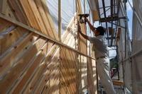 石谷の家 外壁斜め張り工事中 - 木楽な家 現場レポート
