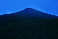 赤富士 - 風とこだま