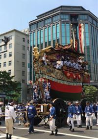絢爛豪華な山鉾と祇園囃子の調べ〜京都祇園祭山鉾巡行 - -