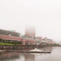 霞むウイングベイ小樽 - いつもの風景