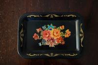 花柄のメタル小トレイ5 - スペイン・バルセロナ・アンティーク gyu's shop