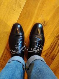 【Church's】チャーチのコンサル、黒靴にグレー紐の組み合わせ - Shoe Care & Shoe Order 「FANS.浅草本店」M.Mowbray Shop