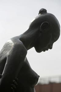 夏美少女まだいました@扇彫刻のある公園 - みるはな写真くらぶ