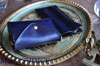 革の宝石ルガトー・2つ折りコインキャッチャー財布と2本差しペンケース - 時を刻む革小物 Many CHOICE~ 使い手と共に生きるタンニン鞣しの革