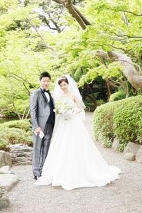 卒花嫁様八芳園の花嫁様、4月の新緑の中に - 一会 ウエディングの花