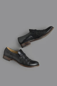 forme Button Strap Shoes - un.regard.moderne