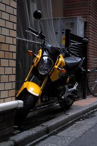 黄色いバイク - 節操のない写真館