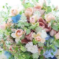 クラッチブーケ ヨコハマグランドインターコンチネンタルホテル様へ バラのいおり - 一会 ウエディングの花