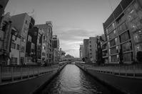 Osaka Monochrome *004 - noBBy's *PhotoLabo*