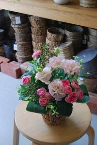 夏のアレンジメントいろいろ - 花と暮らす店 木花 Mocca