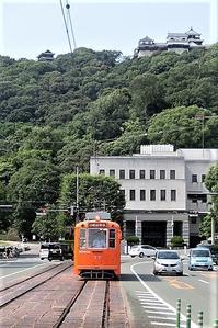 藤田八束の鉄道写真@松山の路面電車と子供達、町の景観を作る学生と自転車に感動・・・ - 藤田八束の日記