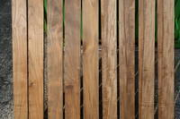 チーク 小さな板 - SOLiD「無垢材セレクトカタログ」/  木材・製材:新発田屋(しばたや)