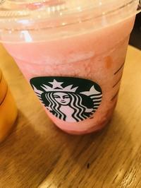 【スタバ】ピーチピンクフルーツフラペチーノ と 八天堂のももクリーム - DAY BY DAY