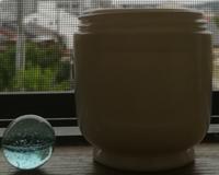 竹藪のハケ化粧瓶と青いやつ - ヤングの古物趣味