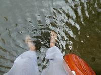 足湯に浸かって釣り糸垂らして。 - 片手にピストル 心に花束