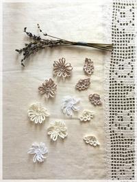 手編みモチーフを使ってアクセサリー - House of Lydia・・・しずかな時間