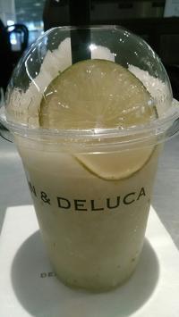 DEAN & DELUCA CAFE(ディーン&デルーカ カフェ NEWoMan)『レモンライムフラッペ』 - My favorite things