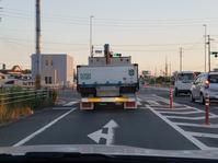 トラックの真裏を走っています。 - 伊藤ハウス・スタッフブログ
