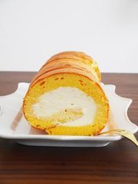 ロールケーキと、こりないスフレチーズケーキ。 - This is delicious !!