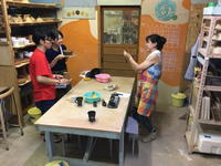 記念撮影:体験陶芸 - 週末陶芸家 フジサキウサジ